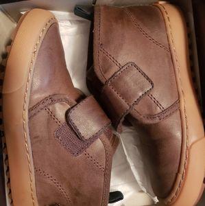 Toddler size 9 Ralph Lauren boots
